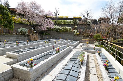 カロート式墓地